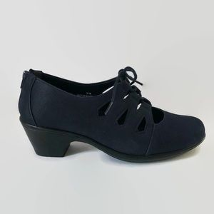 Easy Street Women's Gildy Lace Up Bootie Navy 10W